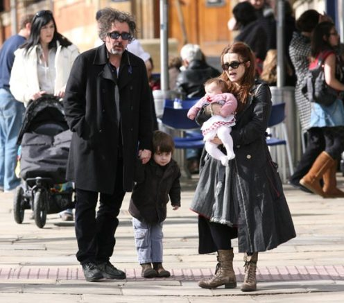 burton dating Around the same time, burton began dating actress helena bonham carter, 40, whom he met while directing her in 2001's planet of the apes.